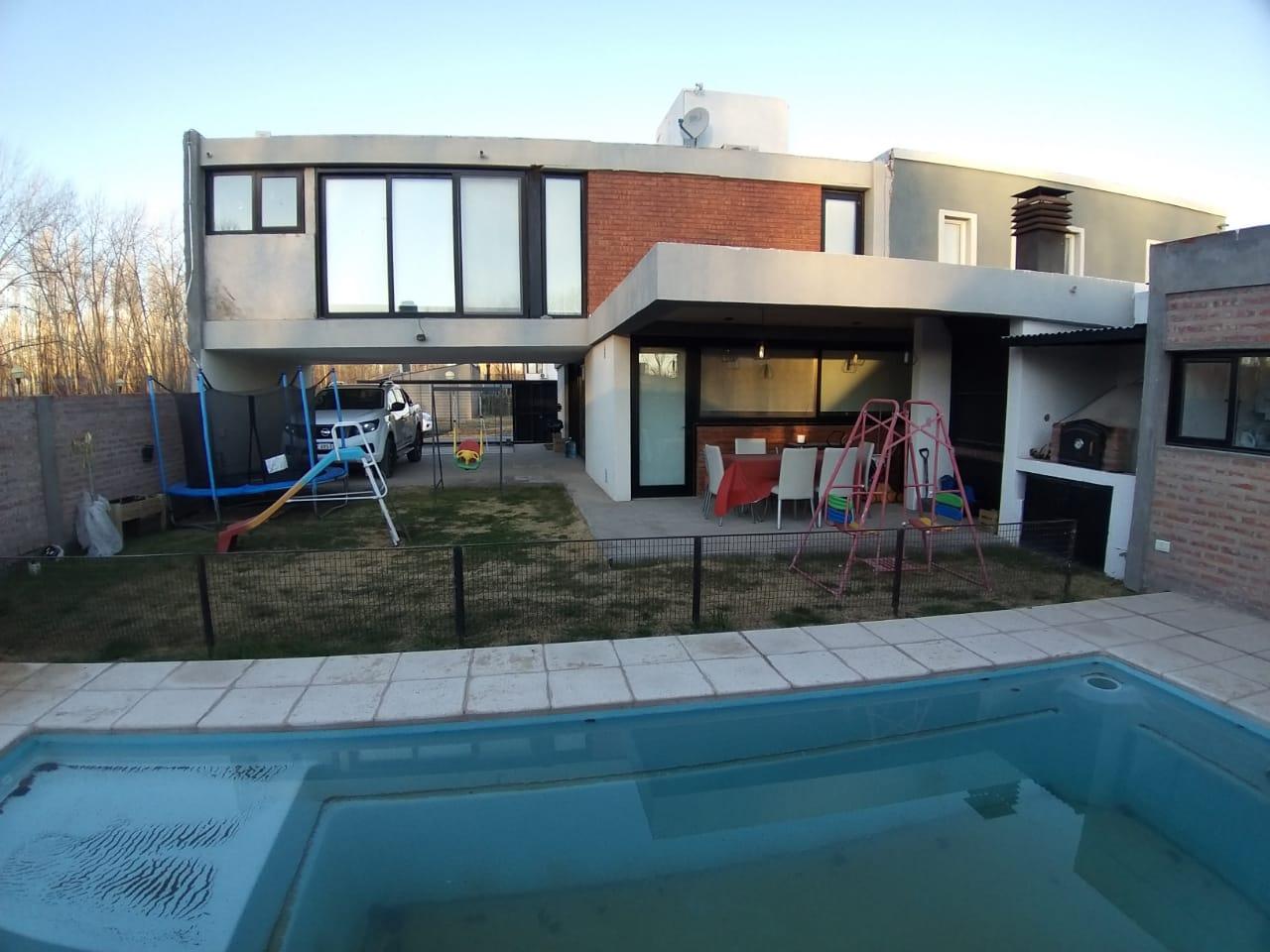 Casa 2 dormitorios con piscina. Posibilidad ampliación